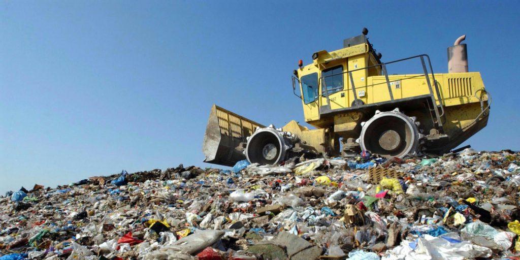 Siamo invece disposti a discutere la possibilità di accogliere nelle nostre strutture le quantità di rifiuti da Voi indicate unicamente ai fini del trattamento.