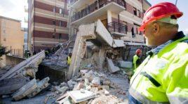 Terremoto: M5s, L'Aquila distrutta due volte da 10 anni di attese