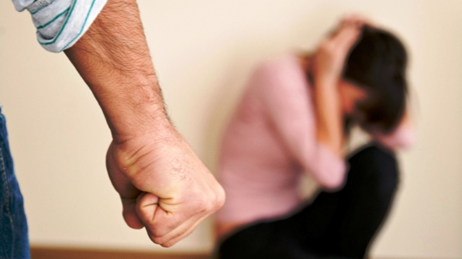 L'Aquila, maltrattamenti in famiglia: uomo agli arresti domiciliari
