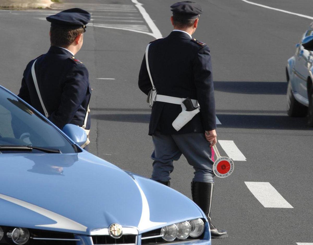 Ladri in trasferta a Pescara rubano auto: incastrati dalla perquisizione