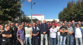 Corteo di protesta davanti alla Honeywell, 420 dipendenti a rischio