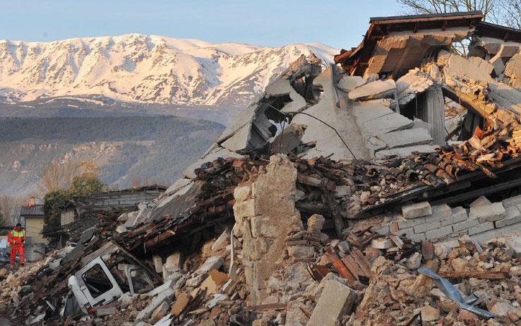 """Case post sisma, l'assessore Bignotti: """"Poniamo rimedio ai disastri trovati in eredità"""""""