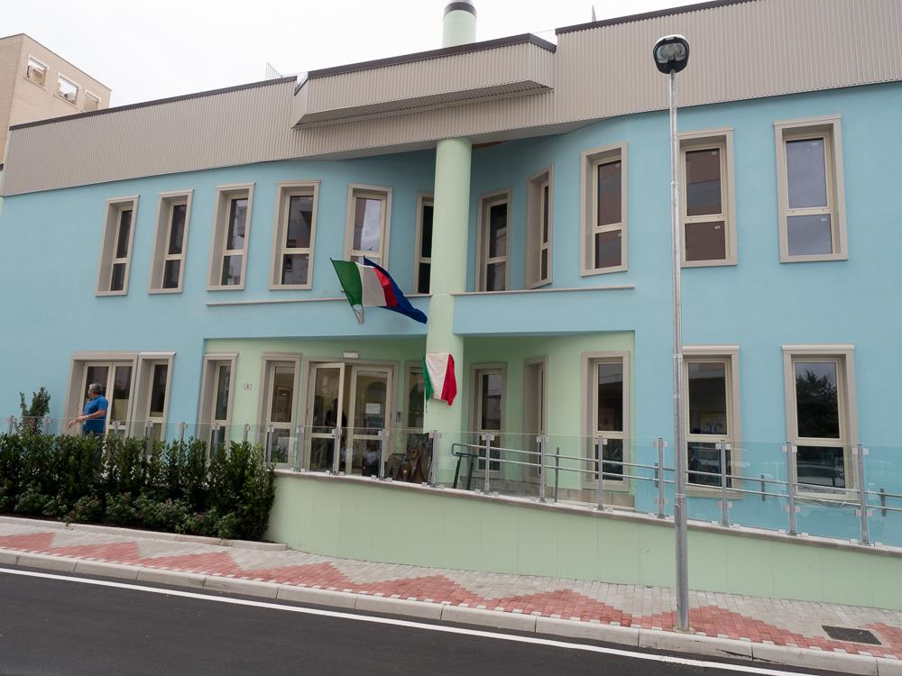 Scuola Dezio in via Adda, verso il completamento del piano superiore