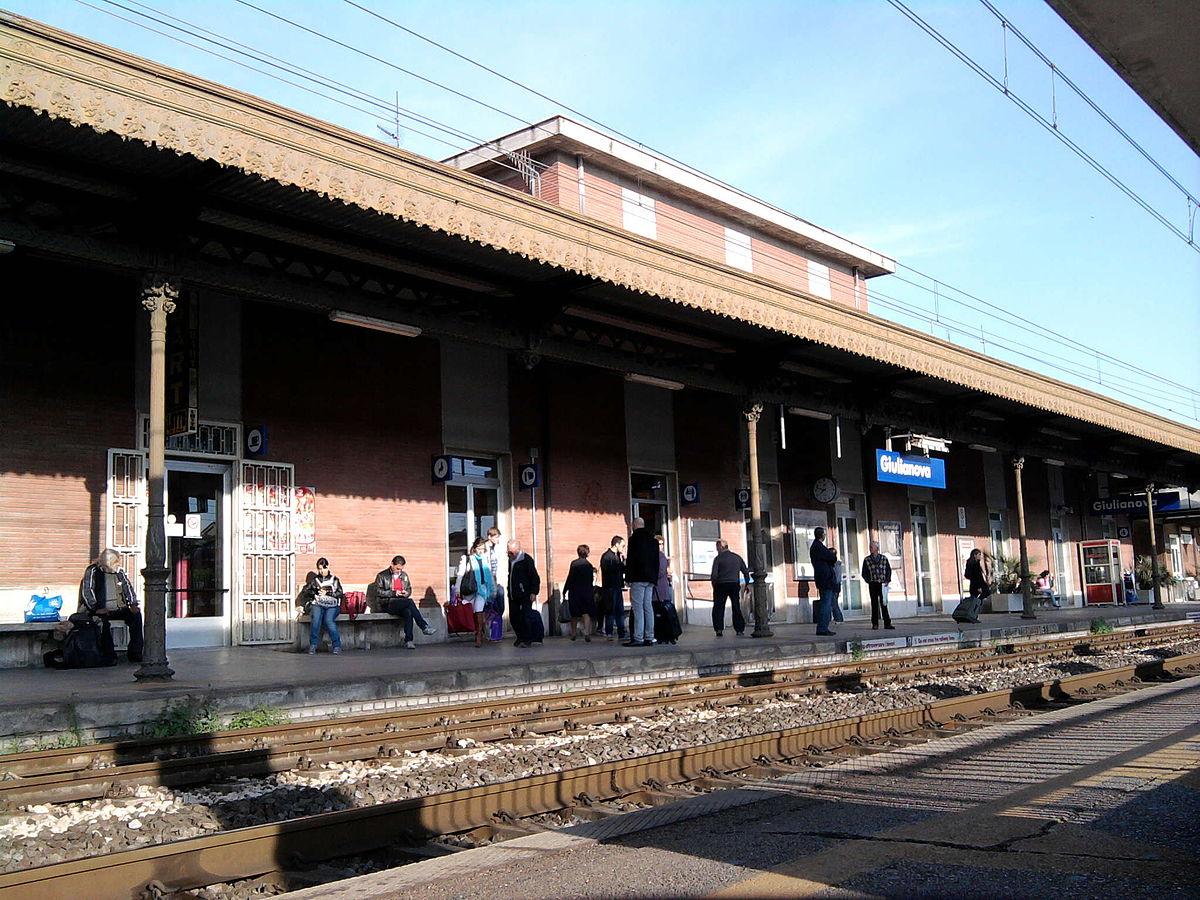 Rissa alla stazione di Giulianova, denunciati 5 giovani