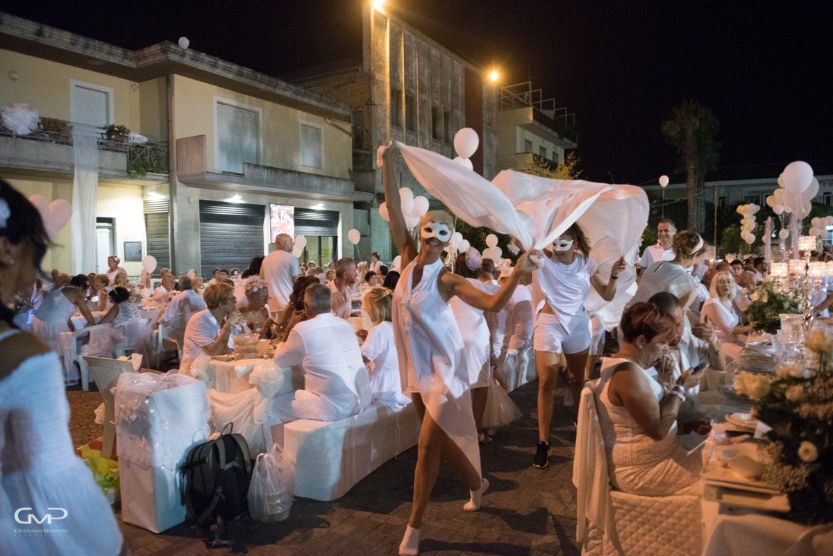 Martinsicuro, torna la Cena in Bianco tra convivialità e condivisione