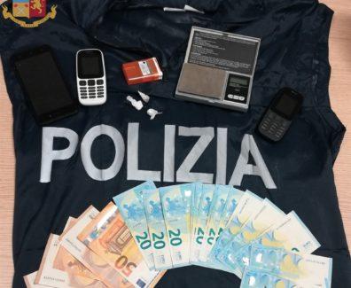 foto-arresti-paganica-droga-con-stemma