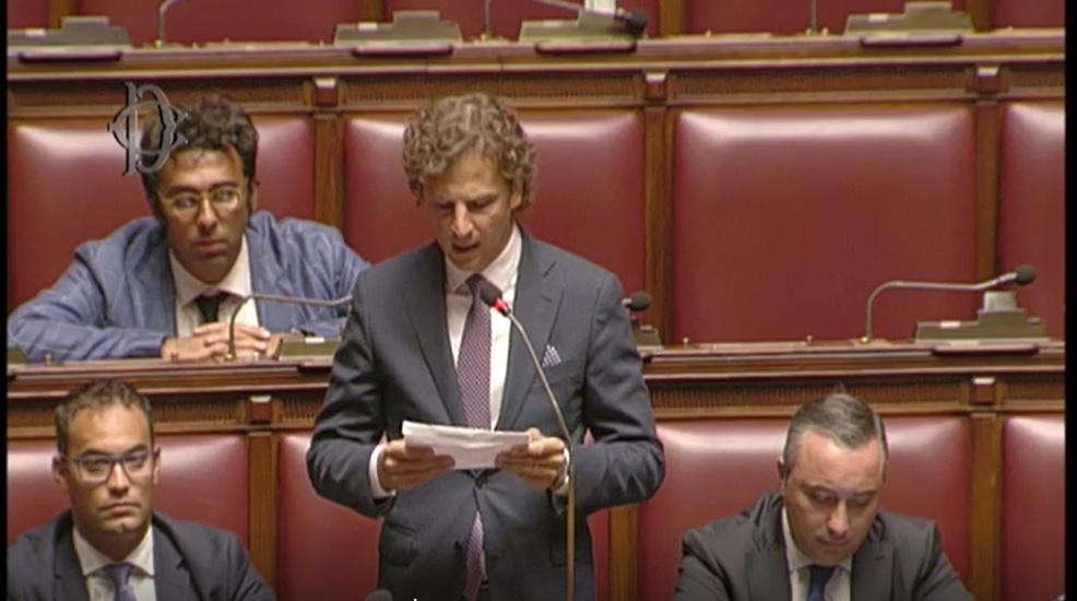 Pietracamela, disattivato lo sportello bancomat: Zennaro (M5S) porta in parlamento il problema