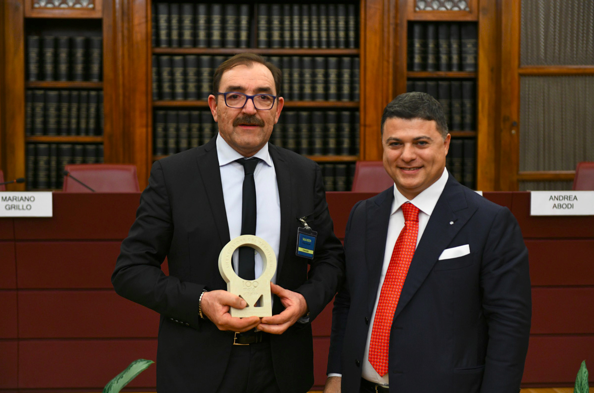 """Premio 100 mete d'Italia: Luca Finocchio """"Ambasciatore virtuoso del territorio"""" d'Abruzzo"""