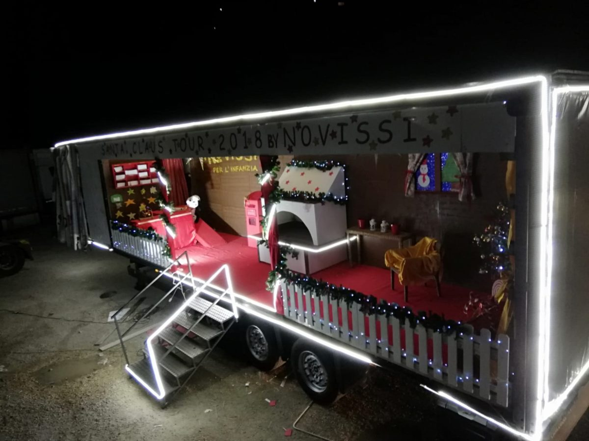 Montesilvano, arriva in piazza Diaz Babbo Natale trainato dalle renne