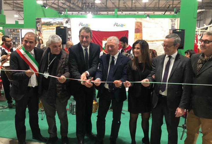 L'artigiano in fiera: inaugurato lo stand Abruzzo a Milano