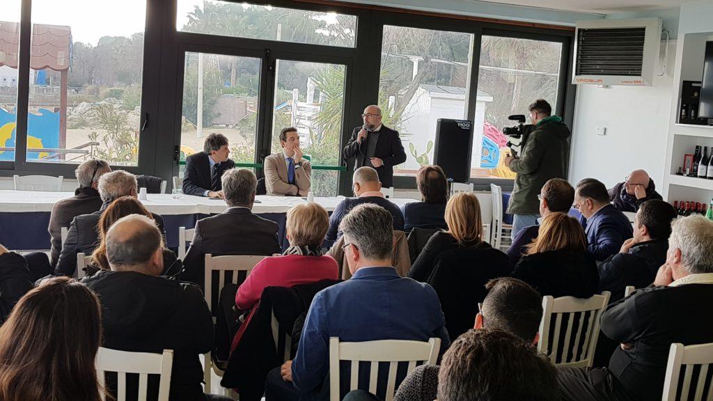 Turismo, il sindaco Maragno e il candidato presidente Marsilio incontrano albergatori e balneatori