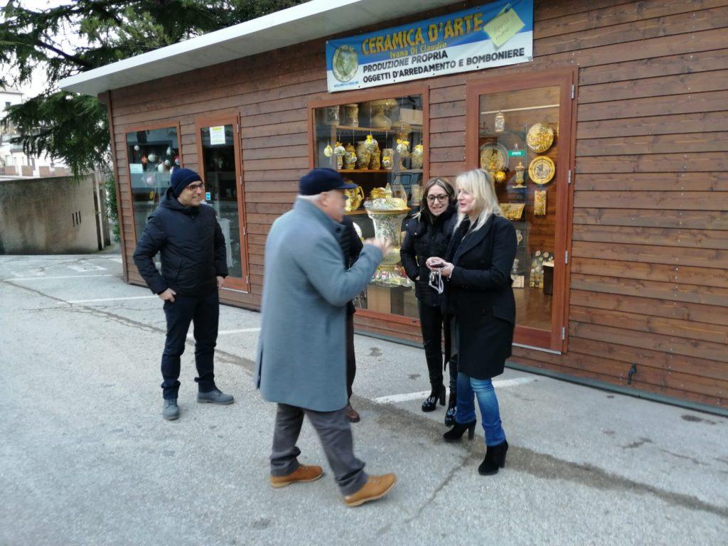 Sospensione rimozione casette di legno artigiani della Ceramica di Castelli: la richiesta di Brandiferri