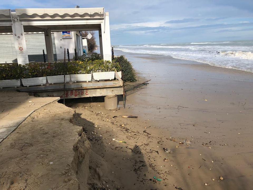 Erosione costa, sopralluogo del sottosegretario all'Ambiente Vannia Gava