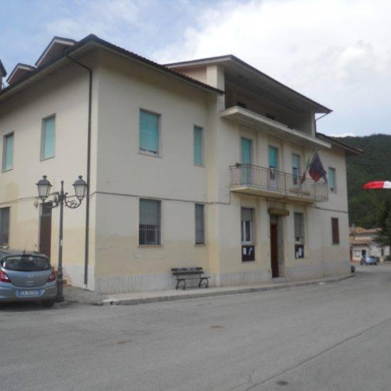 Valle Castellana:viabilità, ricostruzione e sostegno alle attività' produttive