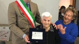 Montesilvano, Jolanda Santavenere festeggia 100 anni: gli auguri del sindaco