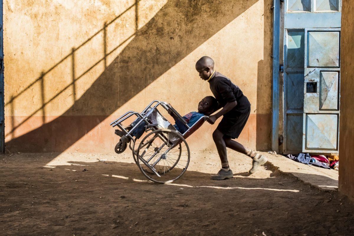Scuole teramane e Kenya unite grazie al cortometraggio del regista Lupinetti