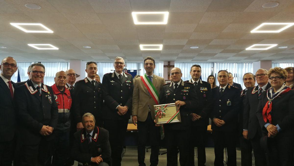 Montesilvano, l'Arma dei Carabinieri insignita della cittadinanza onoraria