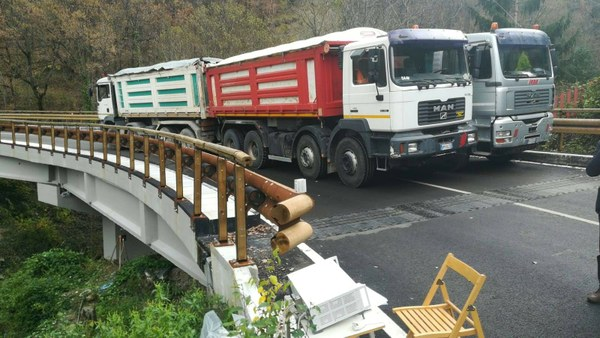 Riapre il ponte di Aprati: danneggiato dal terremoto