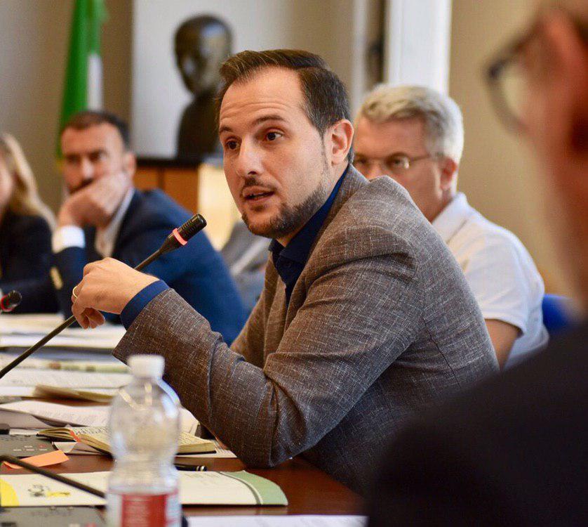 """Commissione vigilanza, Fedele: """"governo regionale assente sul trasporto pubblico"""""""