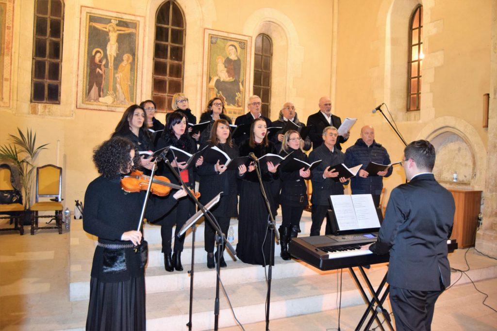 """Manoppello nel fine settimana cento coristi per """"Natale in Abbazia"""""""