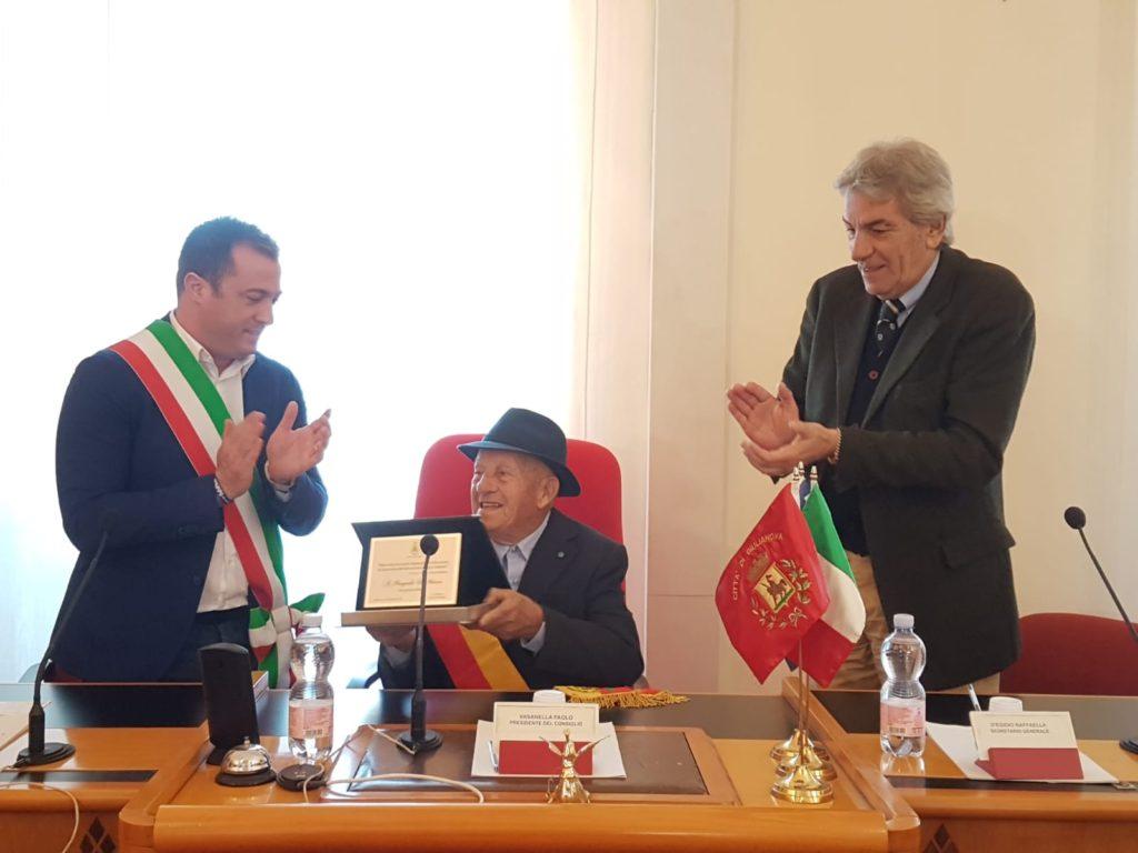 Giulianova, consegnato un riconoscimento a Pasquale Di Marco