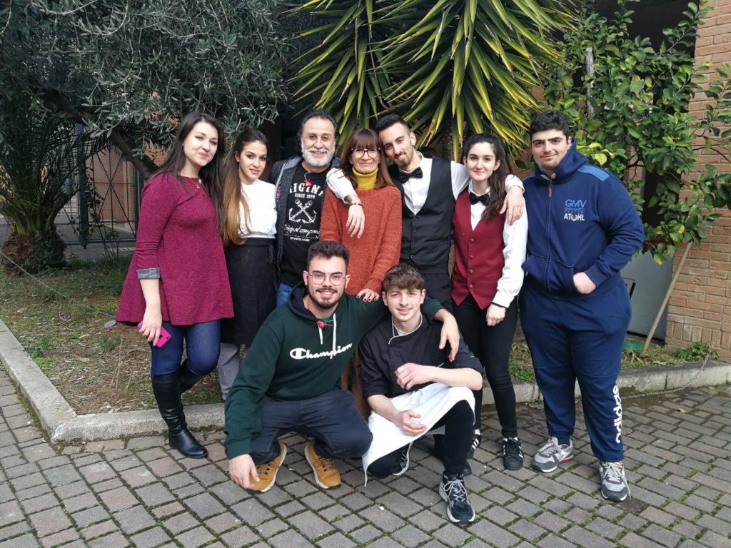 """Gli studenti dell'I.P.S.S.A.R a Roma per il """"pranzo dell'amicizia"""" dedicato ai senzatetto"""