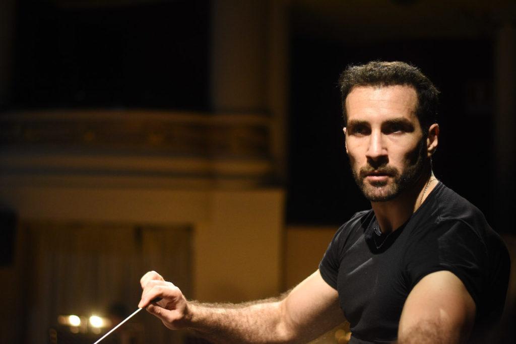 """Jacopo Sipari apre il festival internazionale """"Bel Canto"""" in Siberia con Aida"""