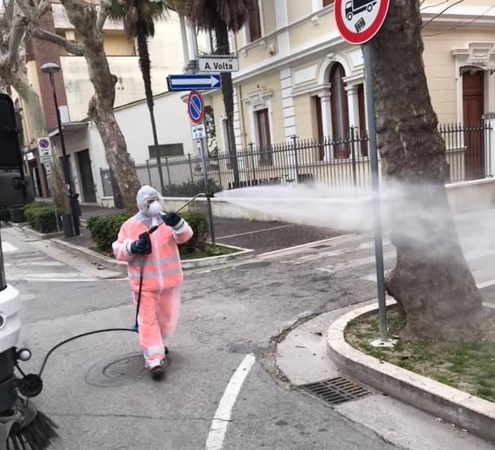 Giulianova, parte il secondo intervento di sanitizzazione delle strade