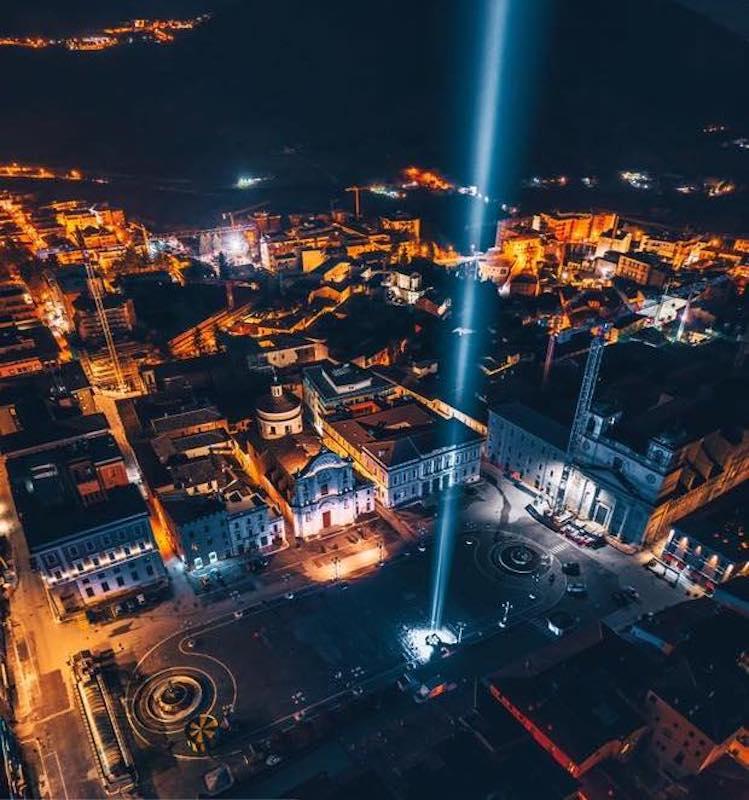 L'Aquila,11 anni dal terremoto: ricordo delle 309 vittime nella deserta Piazza Duomo