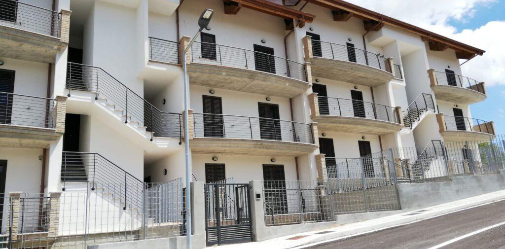 Atri, consegnate le chiavi di 5 alloggi agli sfollati del sisma