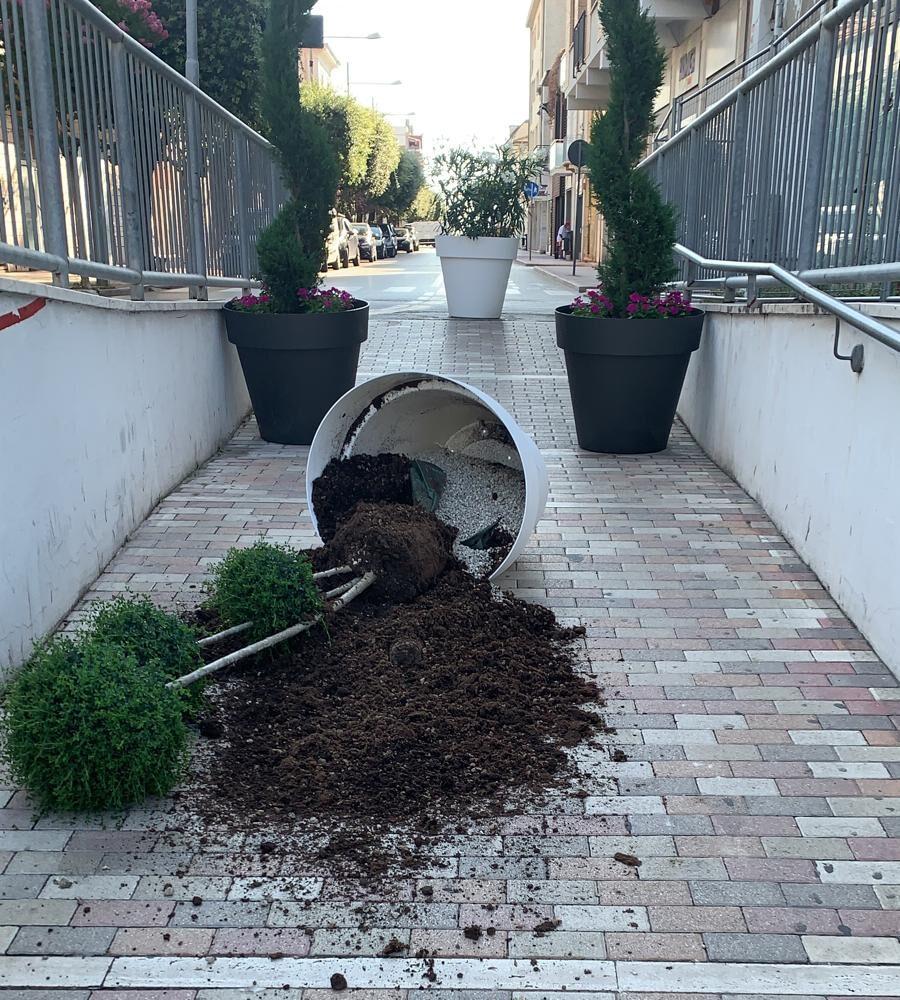 Giulianova, vandali in azione nel sottopasso di via Nazario Sauro