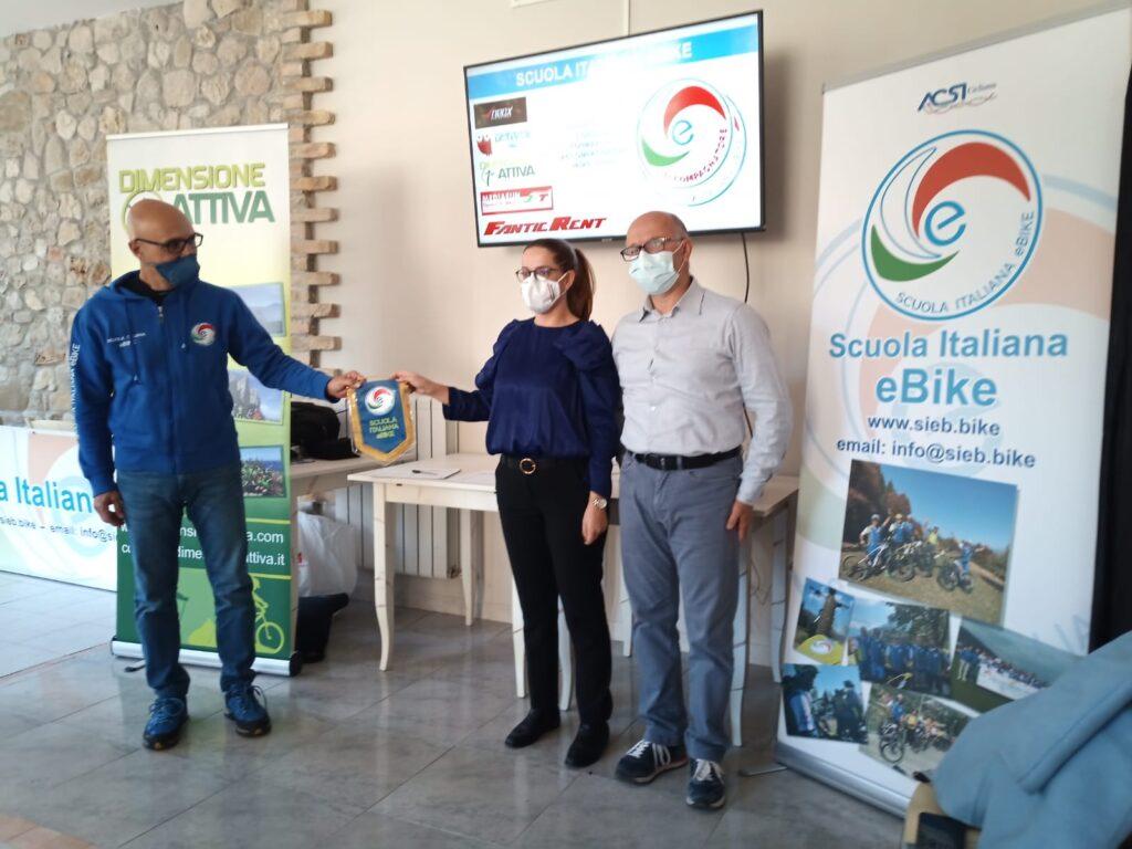 Cicloturismo, a Campli corso per accompagnatore e-bike