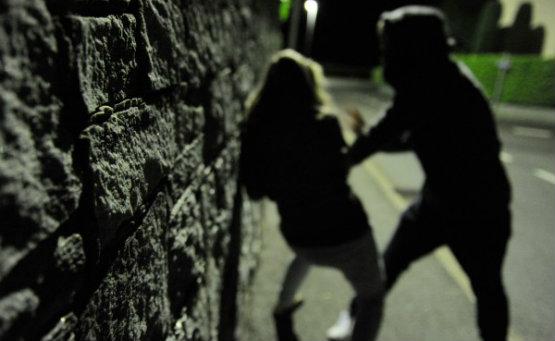 Molestie e minacce all'ex compagna: divieto di avvicinamento per lo stalker