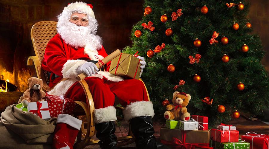 Torna il Villaggio di Babbo Natale: la Torre Carlo V di Martinsicuro addobbata a festa