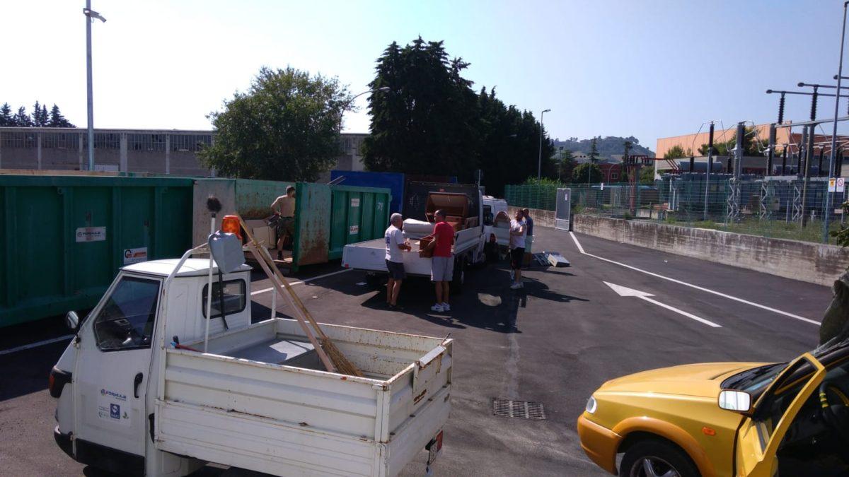 """Centro di raccolta, dall'apertura ad oggi 419 utenti hanno conferito i rifiuti"""""""