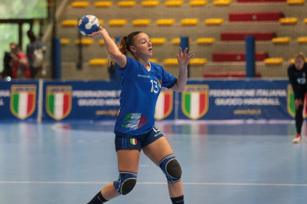 L'Italia femminile di pallamano per la prima volta a Teramo