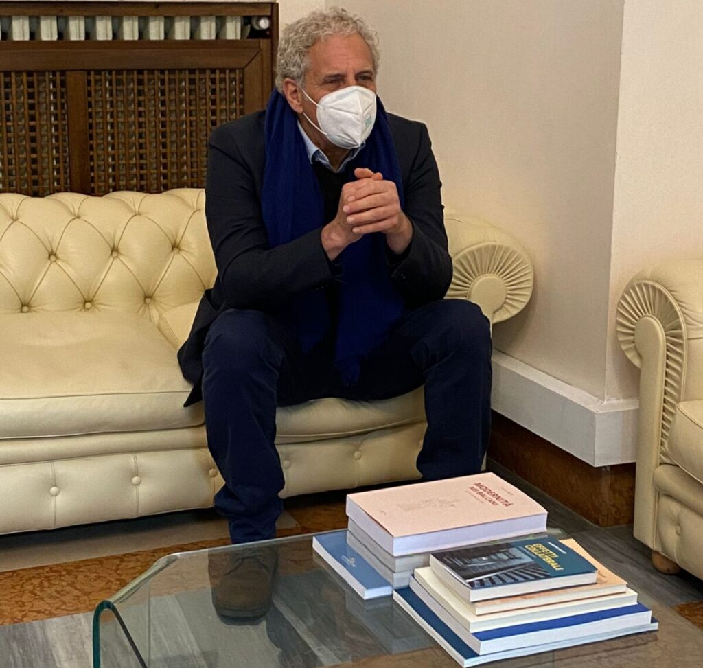 L'attore italo-inglese Vincent Riotta in visita a Pescara