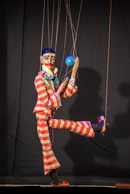 Gianduja al varietà delle marionette in scena a Pineto con Fiabe al Parco